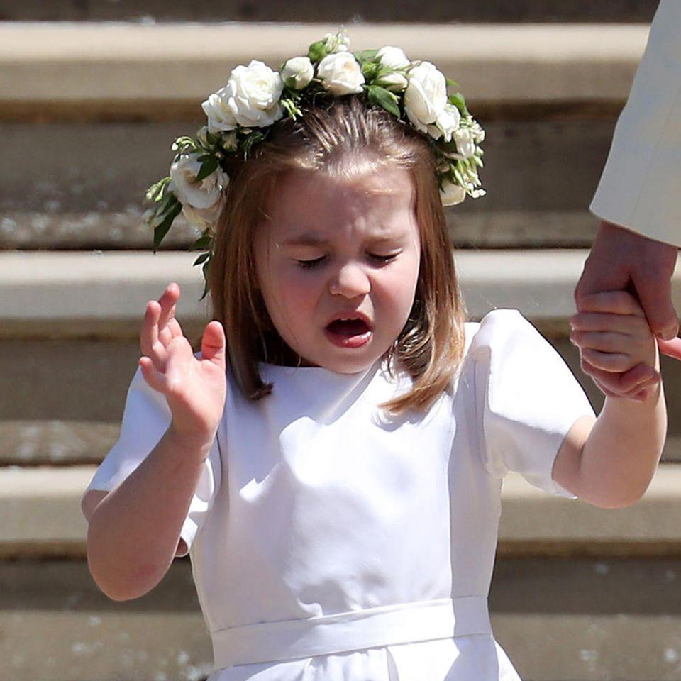 Prinzessin Charlotte musste bei der Mai-Hochzeit von Prinz Harry und Meghan Markle kräftig niesen.