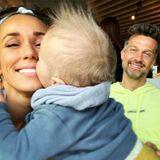 """8. April 2019  Süßer Schnappschuss der FamilieCarpendale: Moderatorin Annemarie schmust mit ihrem kleinen Sohn Mads – und Papa Wayne? Der sieht das gelassen, schreibt auf Instagram: """"Der einzige Kerl, dem ich das durchgehen lasse."""""""