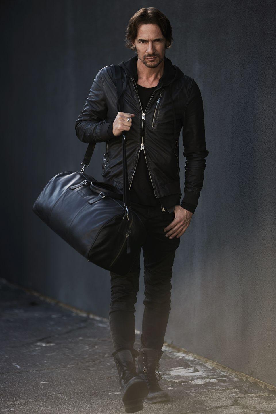 """Thomas Hayo hat eine Handtaschen- und Rucksack-Kollektion bei """"Chesterfield""""."""