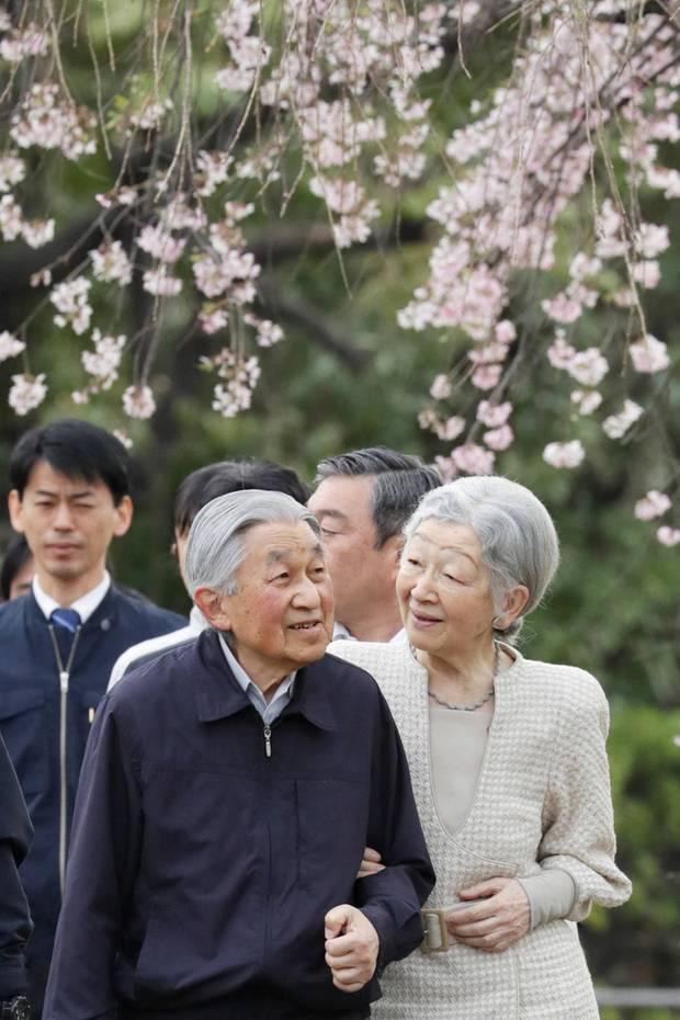 10. April 2019  Was für ein besonderer Tag für das japanische Kaiserpaar:Kaiserin Michiko undKaiser Akihito feiern heute ihren 60. Hochzeitstag in Tokio. Das Kaiserpaar hat drei gemeinsame Kinder und vier Enkelkinder.
