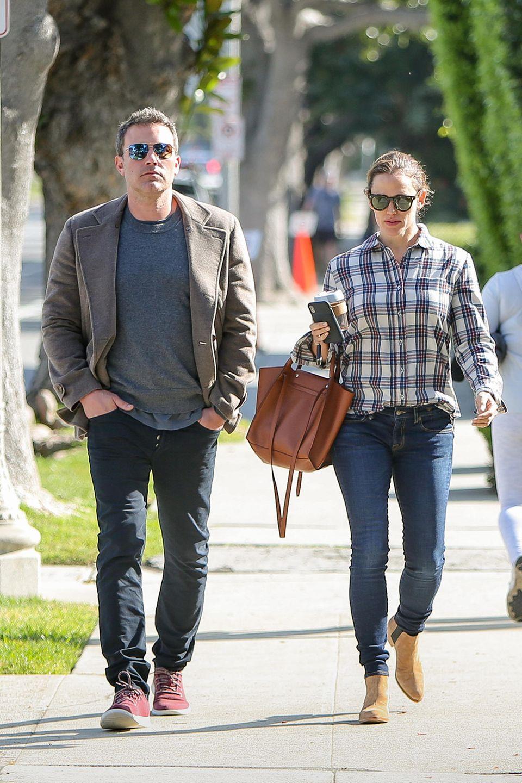 10. April 2019  Wieder einmal beweisen Jennifer Garner und Ben Affleck, dass eine Scheidung auch ohne bitteren Rosenkrieg über die Bühne gebracht werden kann. Das Paar kümmert sich gemeinsam um die drei Kinder, macht mit ihnen Ausflüge in Los Angeles und Umgebung.