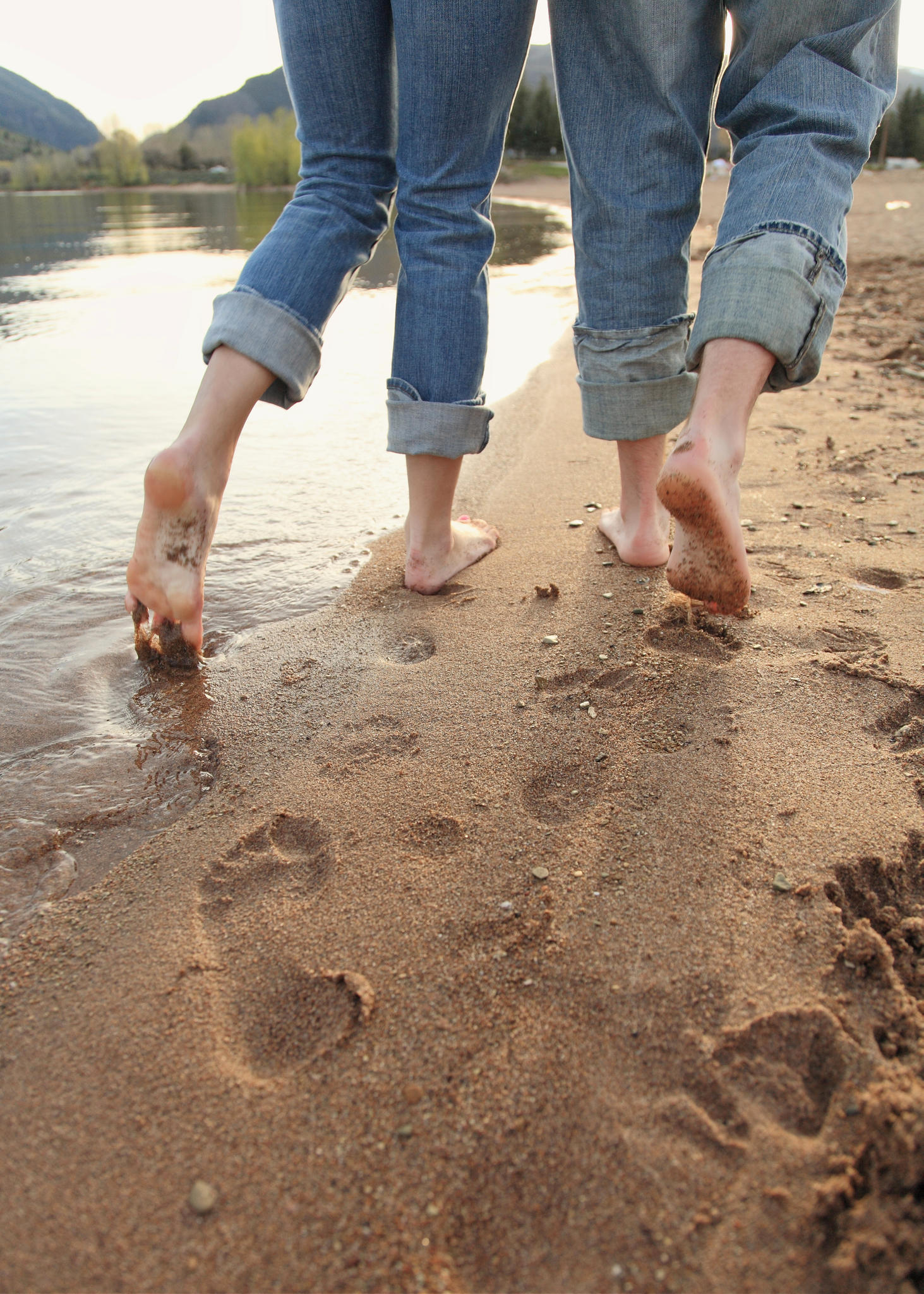 So ein Spaziergang mit nackten Füßen im seichten, kühlen See- oder Meerwasser ist für die meisten Betroffenen einer Kälteallergie nicht möglich.