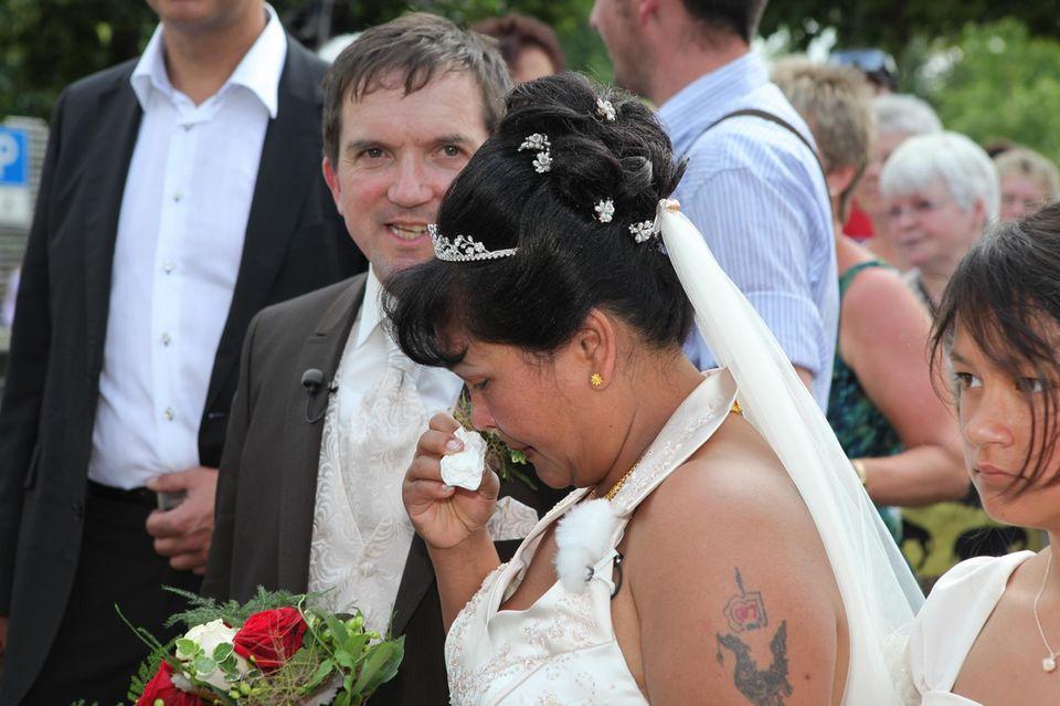 Josef und Narumol bei ihrer Hochzeit im Jahr 2010