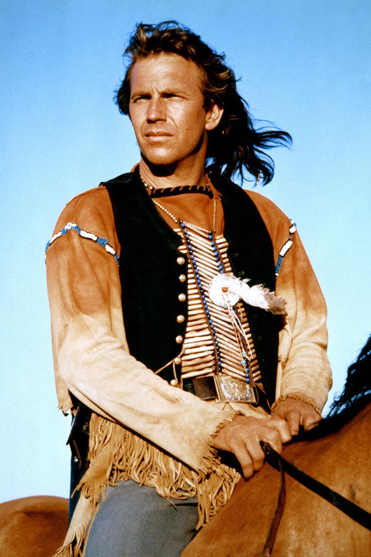 """""""Der Mit Dem Wolf Tanzt"""" war 1990 für Kevin Costner ein Riesenerfolg, der allein 7 Oscars abräumte, und auch in Blockbustern wie """"Bodyguard"""" war er in den Neunzigern erfolgreich."""