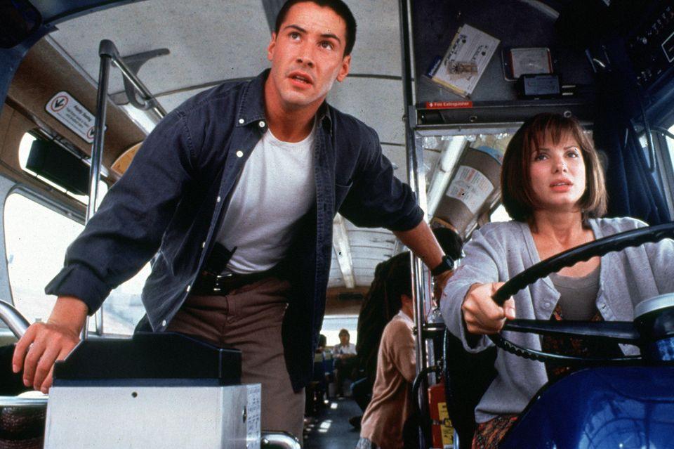 """Spätestens mit dem Blockbuster """"Speed"""" aus dem Jahr 1994 wurden aus Keanu Reeves und Sandra Bullock zwei der begehrtesten Hollywood-Schauspieler."""