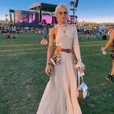 Caro Daur beweist in einem Komplett-Look von Chloé, wie elegant ein Festival-Outfit sein kann.