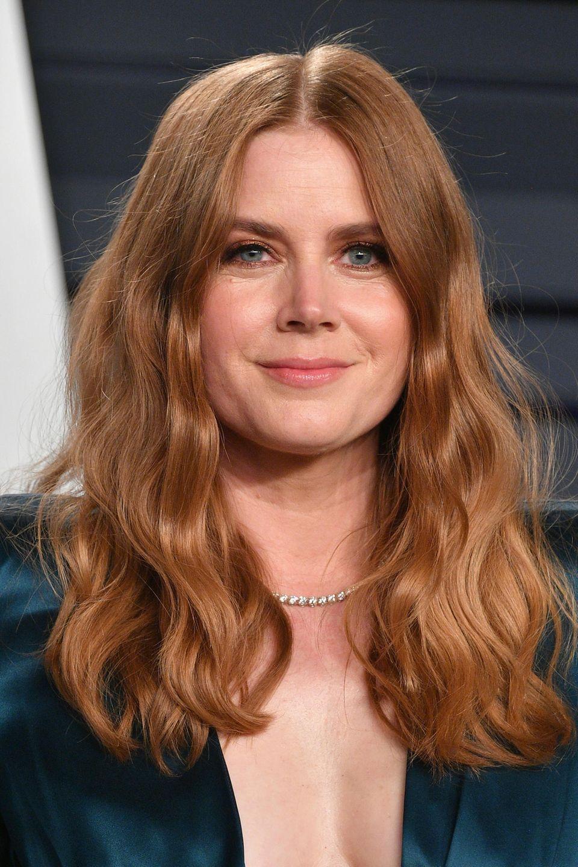 Amy Adams verleiht den Beach Waves einen Glamour-Faktor. Die Schauspielerin trägt die Sommerfrisur auch auf dem roten Teppich.