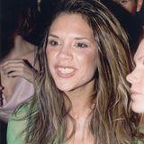 1998  Mehr Haar, mehr Schminke: Als Posh Spice verwandelt sich Victoria Ende der 1990er-Jahre nur allzu gerne.