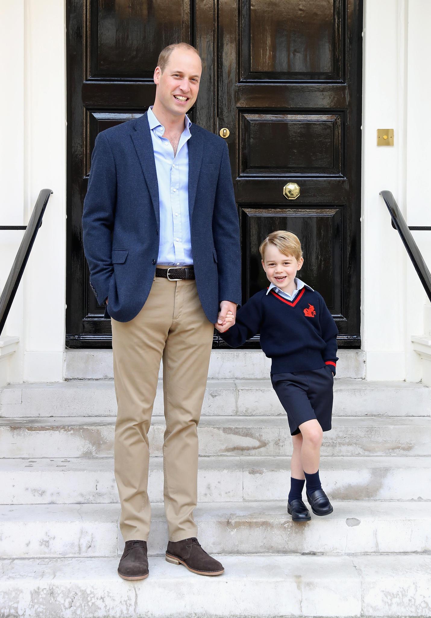 Prinz George wurde am ersten Schultag von seinem Papa Prinz William begleitet.