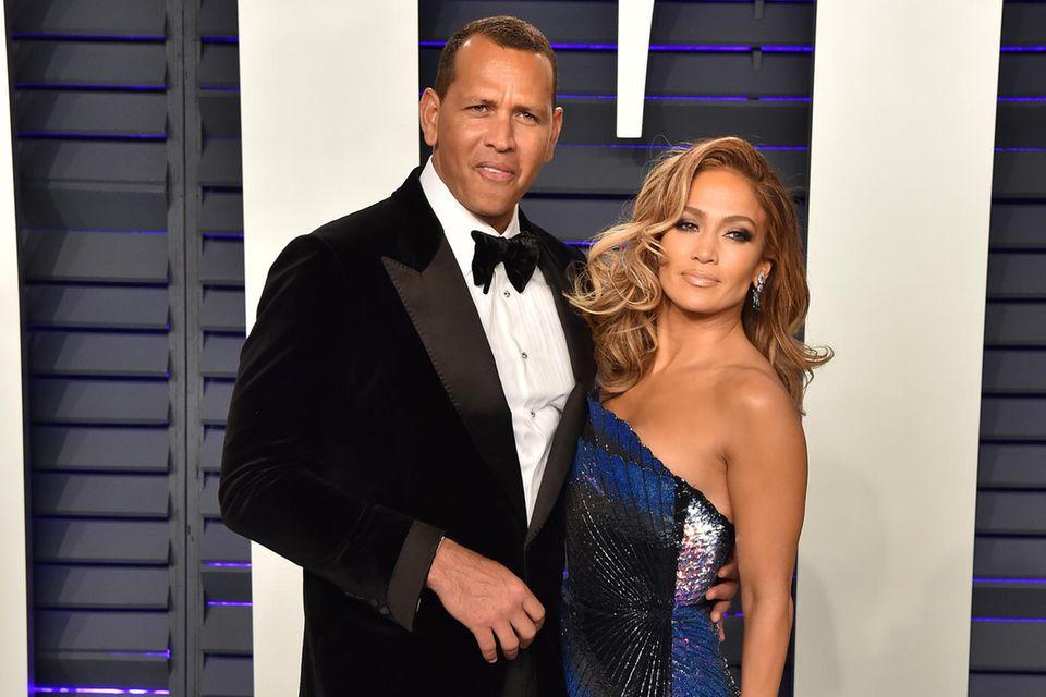 Jennifer Lopez will Alex Rodriguez mit Ehevertrag zähmen.