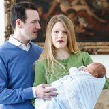 2018  Prinz Philip und Prinzessin Danica haben ihren Sohn Prinz Stefan von Serbien nach der Geburt nach Hause gebracht.