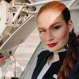 Bei Heidi hat es zwar nicht geklappt, dafür aber auf Instagram. 100.000 Menschen verfolgen in 2019 wie Jana Heinisch als Stewardess um die Welt reist und immer mal wieder Modeljobs an Land zieht.
