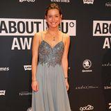 """""""Der Bachelor""""-Gewinnerin Jennifer Lange kam zwar ohne ihren Bachelor - dafür aber in dem Kleid, das sie im Bachelor-Finale trug."""