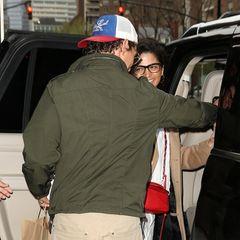 19. April 2019  Matt ist aber auch wirklich ein Gentleman, der ihr die Tüten trägt und beim Einsteigen ins Auto hilft.