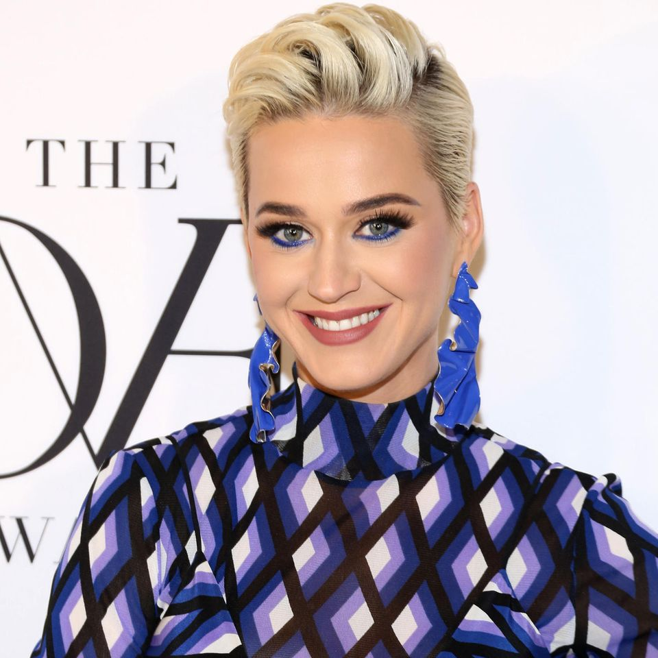Ihren schicken Pixie Cut trägt Katy Perry nicht mehr ...