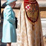 Für einen Plausch mit demDekan von Windsor David Conner hat die Queen immer Zeit.