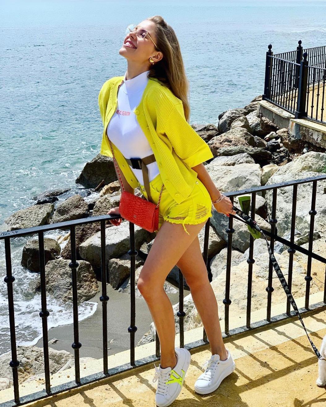 fashion-looks-im-sonnigen-osterstyle-durch-marbella