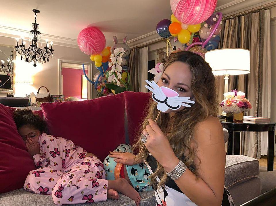 Noch ein Mal schlafen, dann kommt der Osterhase auch im Hause Carey bei Monroe und Moroccan vorbei. Mariah Carey übt schon mal den richtigen Empfang.