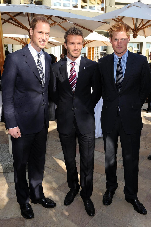 Die Queen-Enkel sind schon seit mehreren Jahren mit David Beckham befreundet.