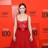 """""""Game of Thrones""""-Megastar Emilia Clarke beweist erneut Modemut und Stilgespür mit einemromantischenKorsettkleidvon Dolce & Gabbana."""
