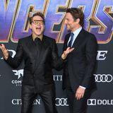 Zwei, die sichtlich gute Laune auf dem roten Teppich haben sindRobert Downey Jr. und Bradley Cooper.