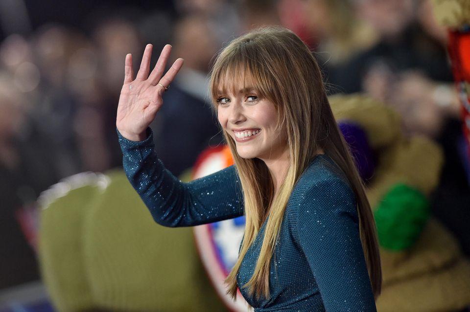 Seit 2014 ist die US-amerikanische Schauspielerin Elizabeth Olsenin der Rolle der Scarlet Witch, auch bekannt als Wanda Maximoff, Teil des Marvel Cinematic Universe.