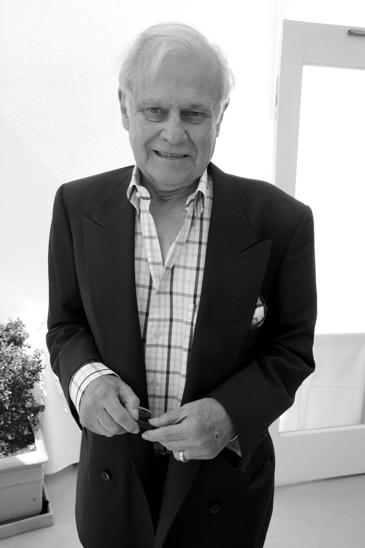 Ken Kercheval (✝)
