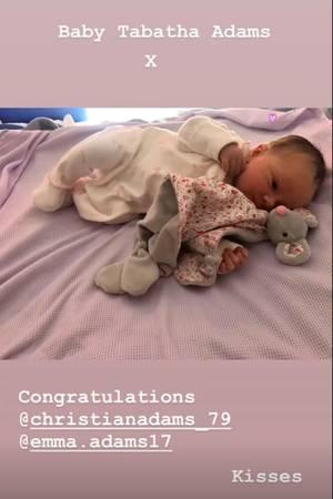 Auf Instagram zeigt Victoria Beckham stolz ein Foto ihrer kleinen Nichte