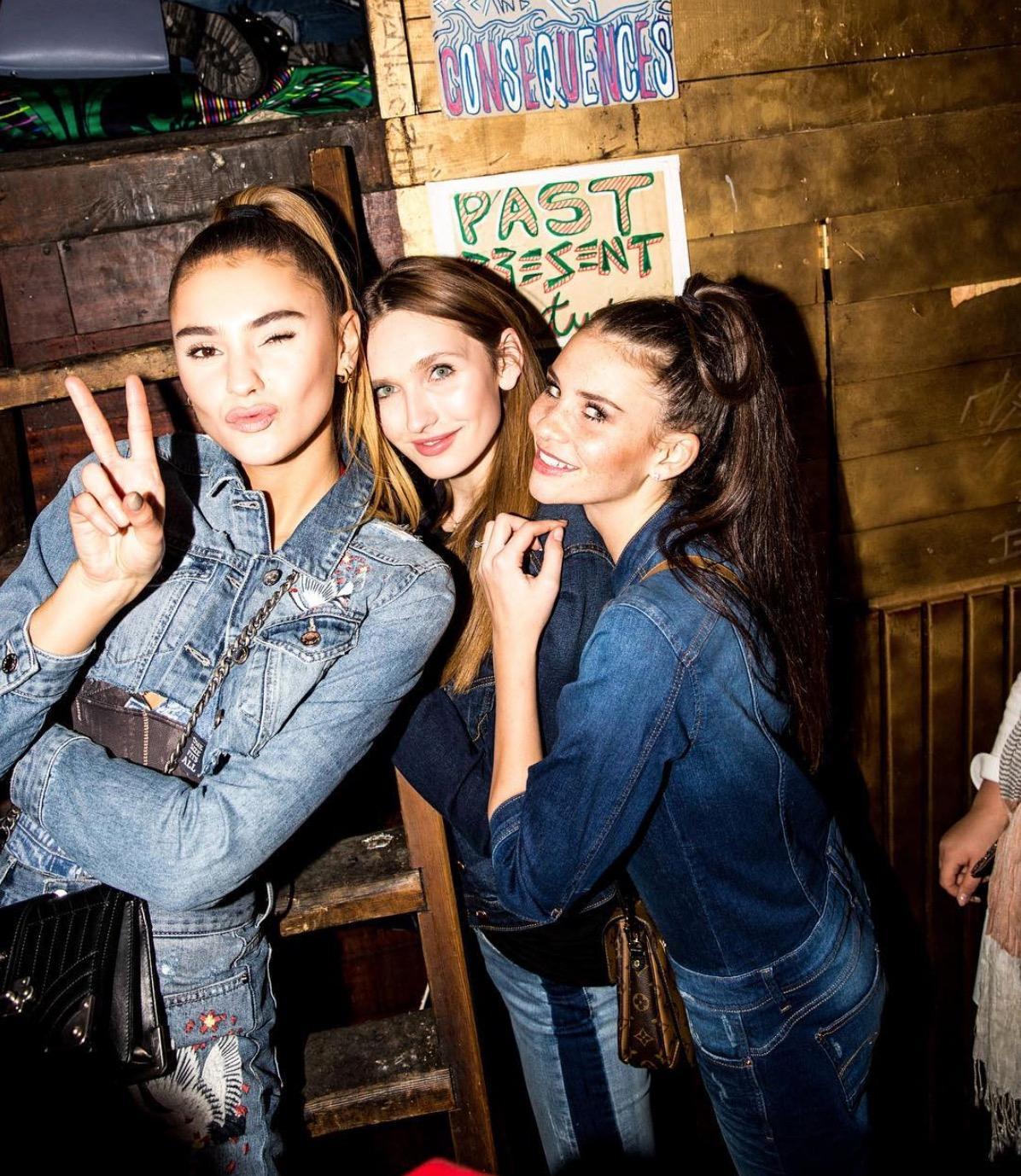 """In Betty Taubes Staffel wird Stefanie Giesinger (ganz links) zu """"Germany's next Topmodel"""". Ein Konkurrenzkampf bricht dennoch nicht aus. Alle Girls sind bis heute Freundinnen und freuen sich, wenn sie sich auf Events treffen."""