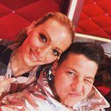 Vor der fünften Mottoshow postet Kerstin Ott noch schnell ein Selfie mit Tanzpartnerin Regina Luca.
