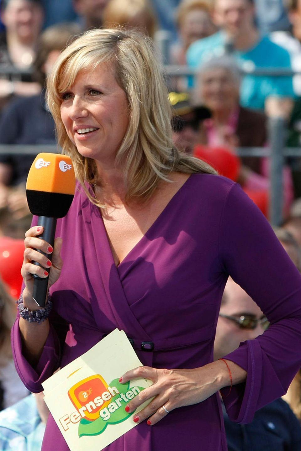 """Andrea Kiewel moderiert den """"ZDF-Fernsehgarten"""" seit dem Jahr 2000"""