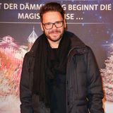 Heute hat Thomas Drechsel deutlich abgespeckt und wirkt mit gepflegtem Dreitagebart, Brille und modischer Frisur top gestylt.