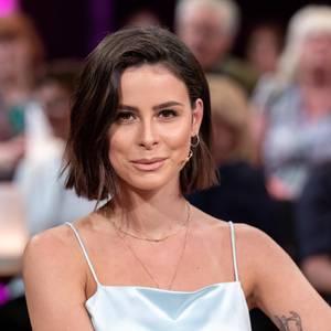 Lena Meyer Landrut Plotzlich Superlange Haare Gala De