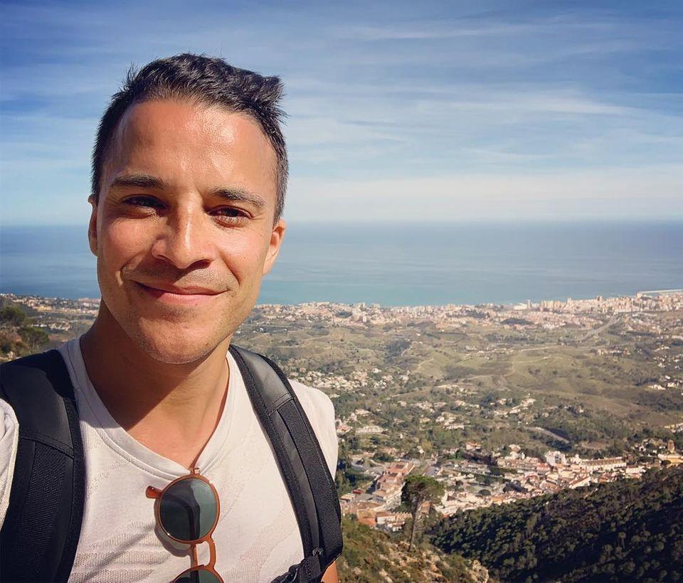 28. April 2019  In Andalusien tankt Kostja Ullmann beim Wandern ein wenig Sonne.