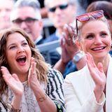 """1. Mai 2019  Wahre Freundinnen: Wer behauptet, dass Freundschaften unter Schauspielkolleginnen nicht funktionieren, hat Drew Barrymore und Cameron Diaz nicht gesehen. Die beiden Schauspielerinnen freuen sich mit ihrer Freundin Lucy Liu bei der Enthüllung ihres """"Walk of Fame""""-Sterns und jubeln was das Zeug hält."""
