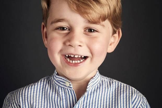 An seinem vierten Geburtstag veröffentlicht der Palast ein neues Porträt von Prinz George.