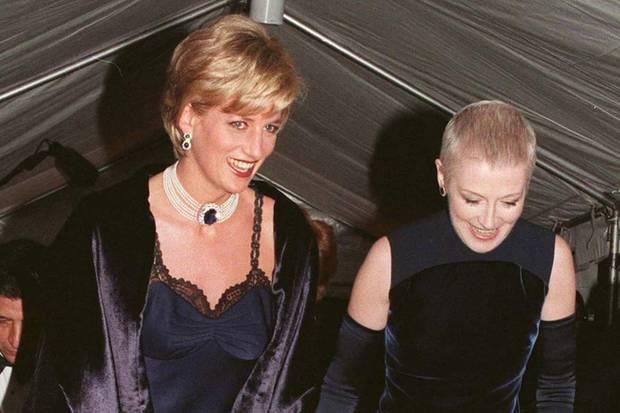 Prinzessin Diana (†) besuchte die Met Gala im Jahr 1996 an der Seite ihrer guten FreundinLiz Tilberis.