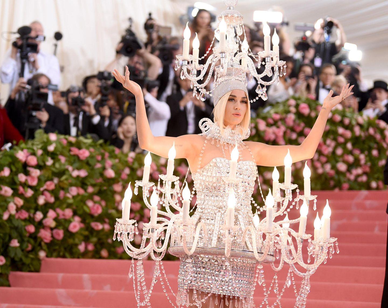 Es ist Katy Perry, bei der alle Kerzen brennen.