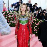 Game of Thrones trifft Disney: Saoirse Ronan beeindruckt im comichaften Pailletten-Look von Gucci.