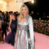 Sexy in Silber: Kate Moss