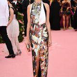 Ganz schön edel: Lauren Santo Domingo zeigt sich Metallic-Look.