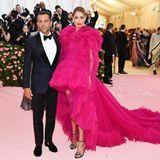Doutzen Kroes leuchtet im pinkfarbenen Haute-Couture-Traum von Giambattista Valli.