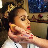 Auf Instagram gibt Salma Hayek ihren Fans exklusive Einblicke in ihr aufwendiges Make-up für die bevorstehende Met Gala.