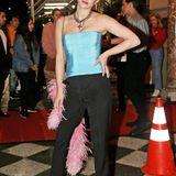 Lili Reinhart hat ihren hellblauen Red-Carpet-Look gegen dieses gemütlichere Hosen-Outfit eingetauscht.