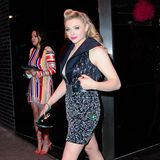 Chloë Grace Moretz hat ihren lässigen Louis-Vuitton-Look anbehalten, der ist partytauglich genug.
