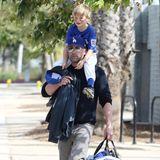 28. April 2019  Baseball spielen macht müde! Nach einem gemeinsamen Vater-Sohn-Training ist Ben Afflecks Sohn Samuel zu erschöpft, um alleine zum Auto zu gehen. Ein Glück, dass auf Papas starken Schultern immer Platz ist.