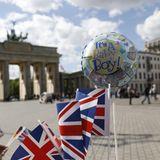 Freude über die Geburt von Baby Sussex in Berlin