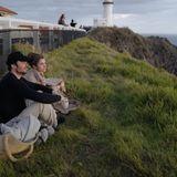 7. Mai 2019  Was für eine tolle Aussicht! Auf Instagram teilt Nikki Reed ein Foto, auf dem die Schauspielerin und ihr EhemannIan Somerhalder den Sonnenaufgang im Einklang mit der Natur genießen. Solche Momente sind für die Eltern einer kleinen Tochter zwar selten, aber dafür umso wertvoller, wie Nikki Reed auf Instagram verrät.