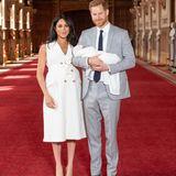 Platz 7: Baby Sussex (das erste Kind von Herzogin Meghan und Prinz Harry)  Der noch namenlose Sohn von Herzogin Meghan und Prinz Harry nimmt Platz sieben in der englischen Thronfolge ein und kommt damit gleich hinter seinem Vater.