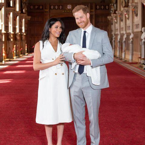 Herzogin Meghan + Prinz Harry: Taufe von Baby Archie soll privat bleiben